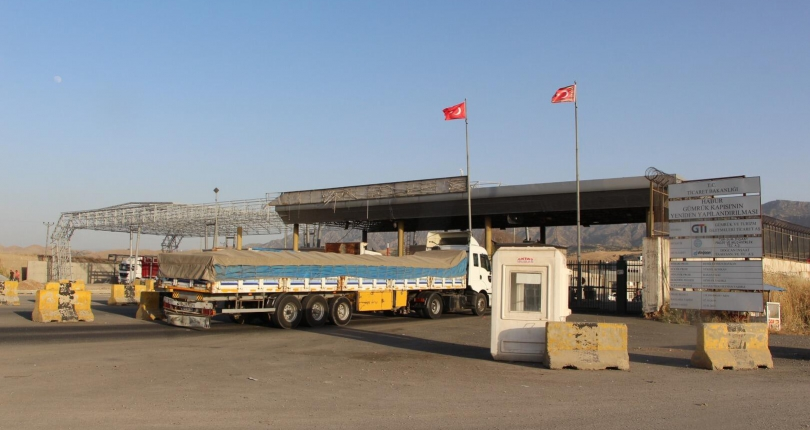 Turkey reopens customs gates with Iran, Iraq